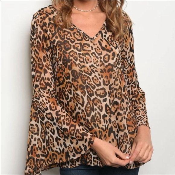 Peach Love California Tops - NEW! 3 FOR $40 • Leopard Print Bell Sleeve Blouse
